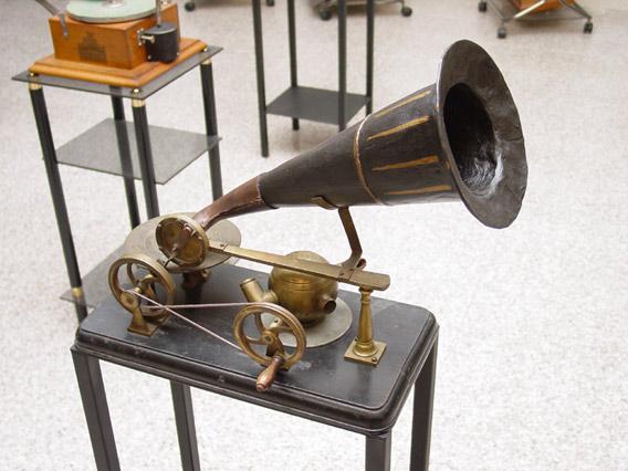 Resultado de imagen de gramófono berliner